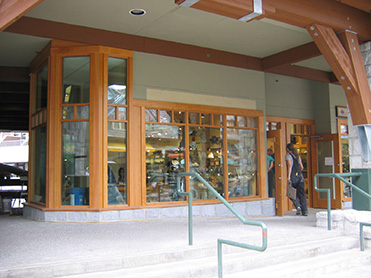 Crystal Lodge Retail